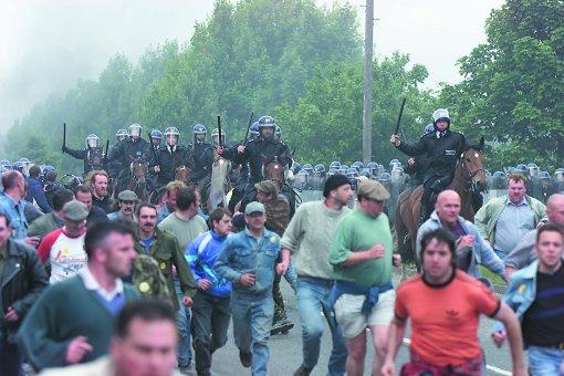 Jeremy Deller, The Battle of Orgreave, 2002